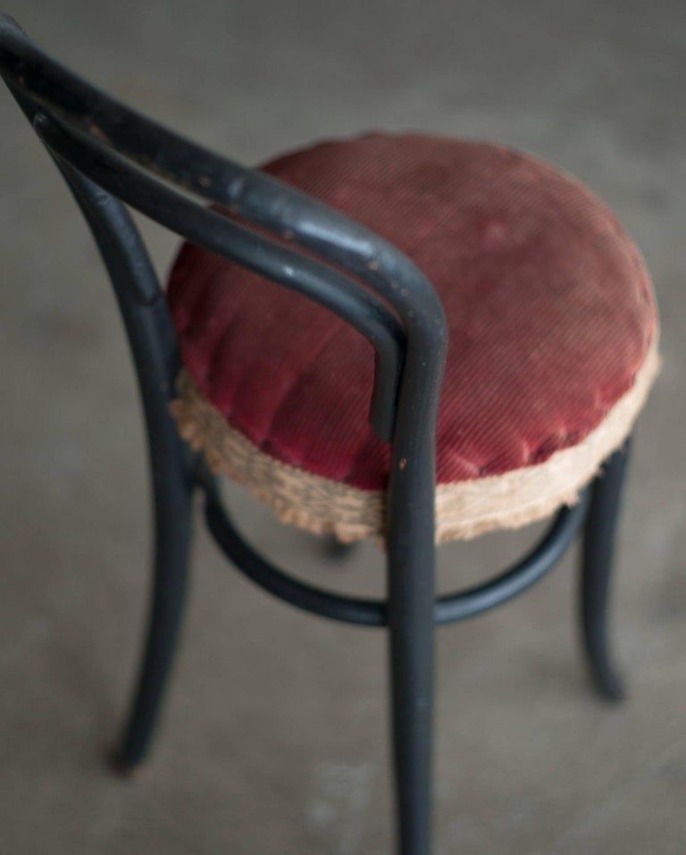 Early 20th Century Thonet No. 14 Children's Chair In Good Condition For Sale In Dronten, NL
