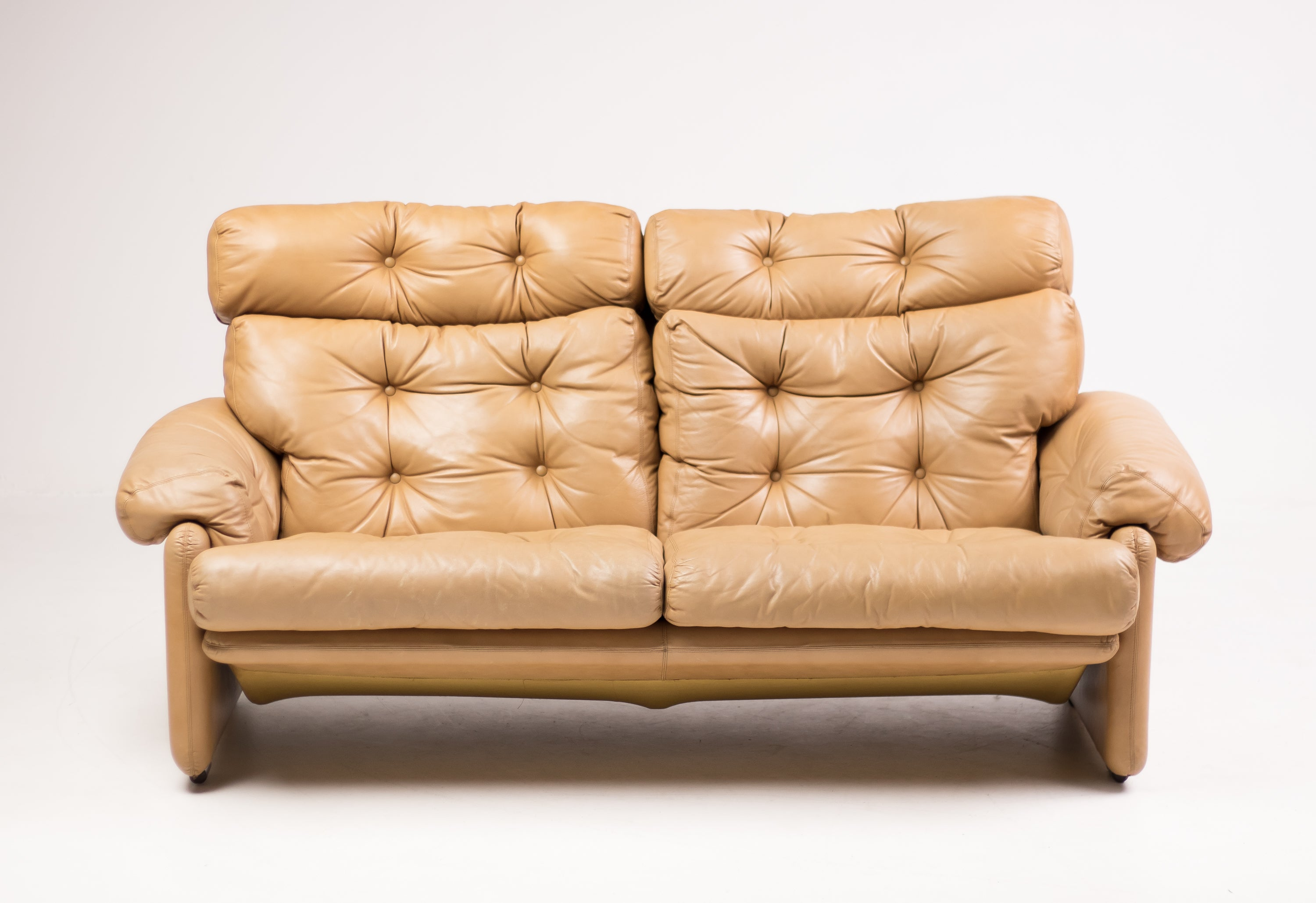 Admirable Coronado Leather Loveseat By Tobia Scarpa Andrewgaddart Wooden Chair Designs For Living Room Andrewgaddartcom