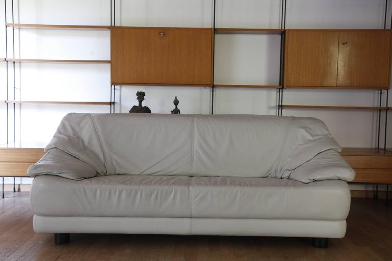 Glamorous Lounge White Leather Living Room Set Mid-Century Modern, Italy, 1970s For Sale 4