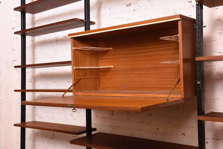 Danisch Modular Bookcase Royal System Wall Unit In Excellent Condition For Sale In Antwerp, BE