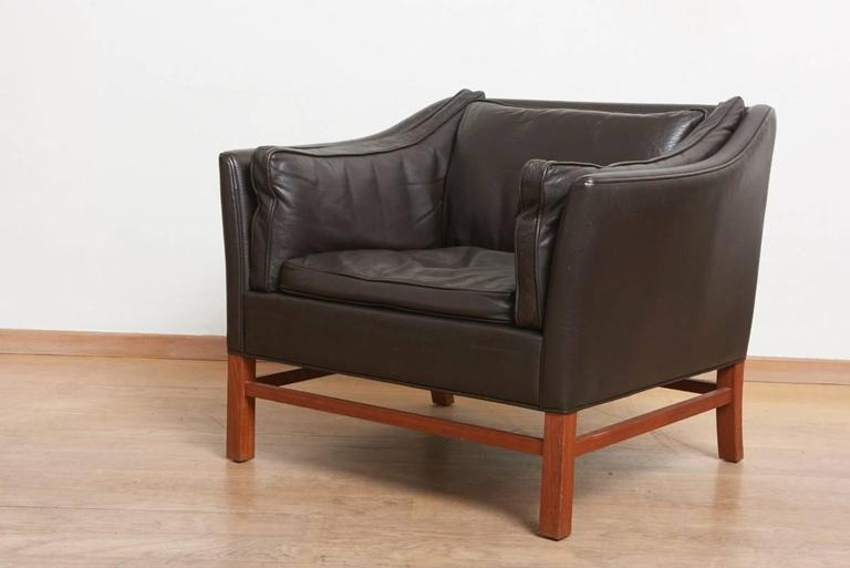 Excellent set of three danish modern brown leather lounge for Modern sitting chairs