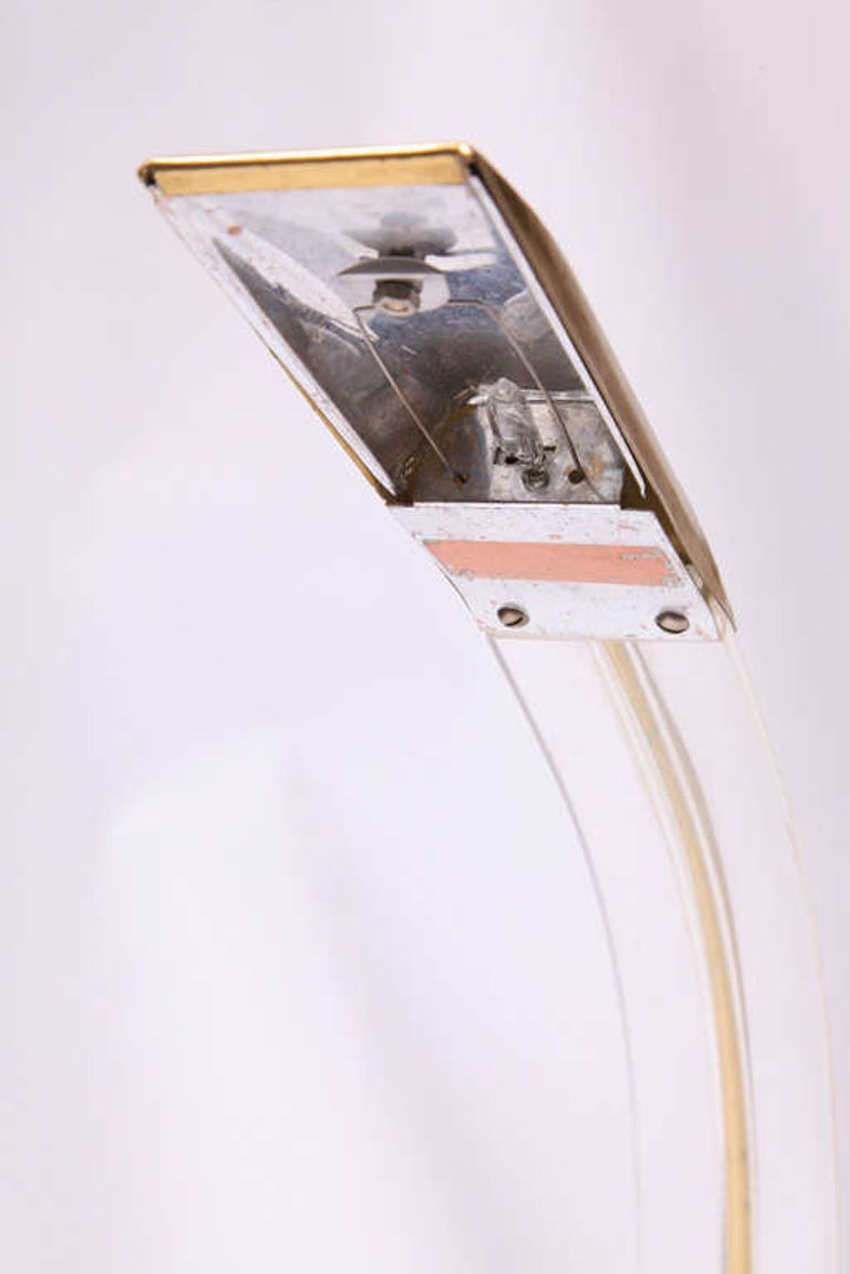 French Set of Two 1970s Italian Modern Brass, Lucite Desk Lamps For Sale