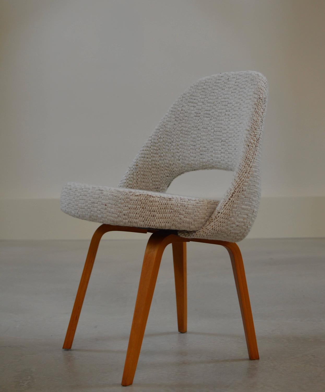 Early Saarinen Executive Chairs With Wooden Legs For Sale At 1stdibs