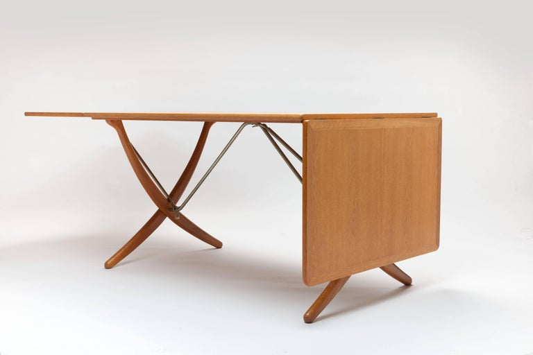 Scandinavian Modern Oak Hans Wegner Sabre Leg's Drop-Leaf Dining Table, Model AT-304, Andreas Tuck For Sale