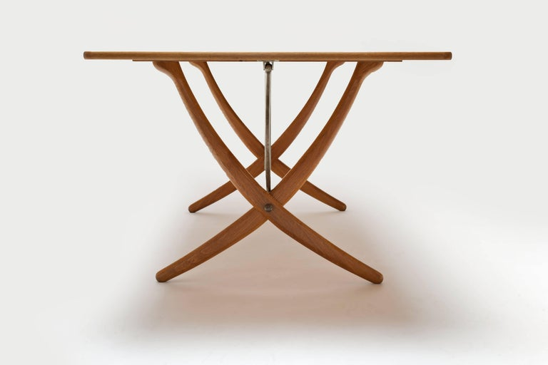Mid-20th Century Oak Hans Wegner Sabre Leg's Drop-Leaf Dining Table, Model AT-304, Andreas Tuck For Sale