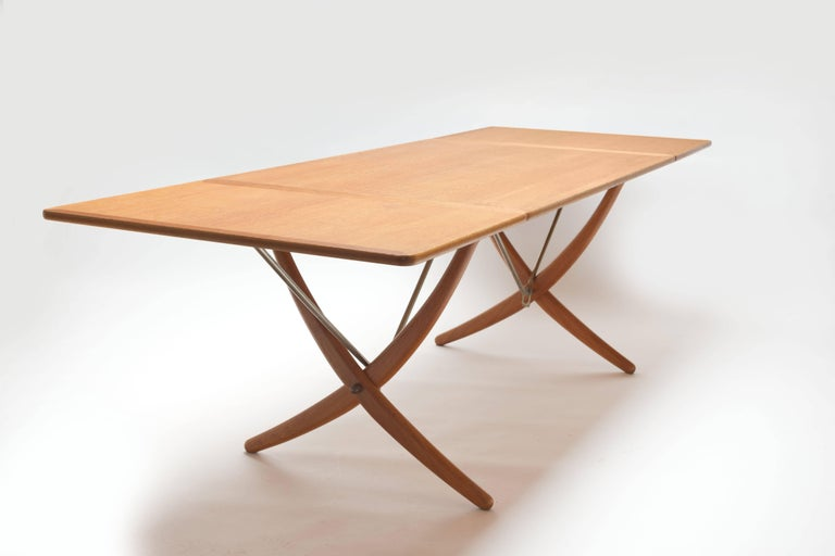 Oak Hans Wegner Sabre Leg's Drop-Leaf Dining Table, Model AT-304, Andreas Tuck In Good Condition For Sale In Utrecht, NL