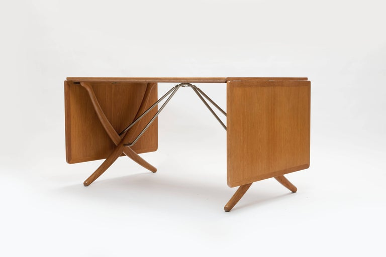 Danish Oak Hans Wegner Sabre Leg's Drop-Leaf Dining Table, Model AT-304, Andreas Tuck For Sale