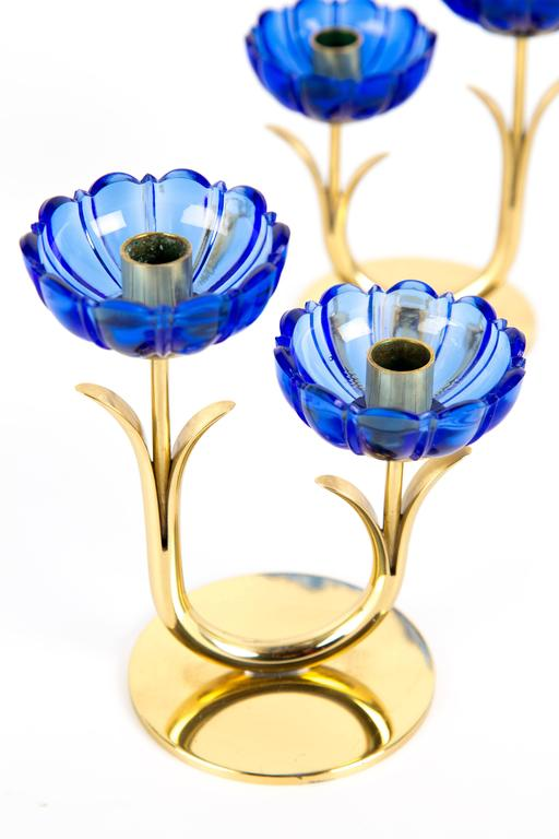 GUNNAR ANDER CANDLE HOLDERS Sweden for Ystad Metall, blue flower  with brass In Good Condition For Sale In LA Arnhem, NL