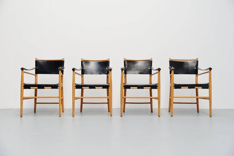 Mid-Century Modern Italian Safari Chairs in Birch and Black Leather, 1960 For Sale