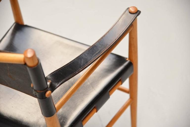 Italian Safari Chairs in Birch and Black Leather, 1960 For Sale 4