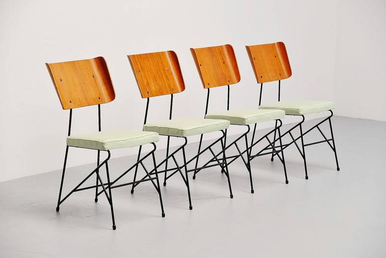 Carlo Ratti Dining Chairs for Legni Curva, Italy, 1950 5