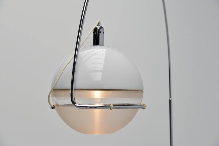 Fabio Lenci Guzzini Focus Floor Lamp, Italy, 1972 In Excellent Condition For Sale In Roosendaal, Noord Brabant