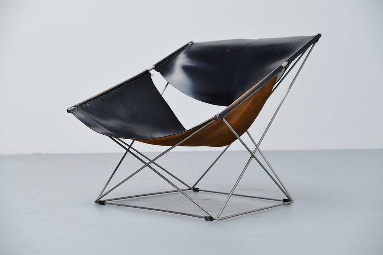 pierre paulin f675 butterfly chair in black by artifort 1963 at 1stdibs