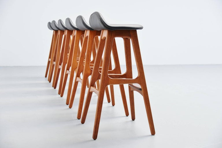 Elegant set of six bar stools model OD61 designed by Erik Buck and manufactured by Odense Møbler, Denmark 1965. The stools have sophisticated solid teak frames. Finished perfectly into perfection with dovetail connections. The seats are
