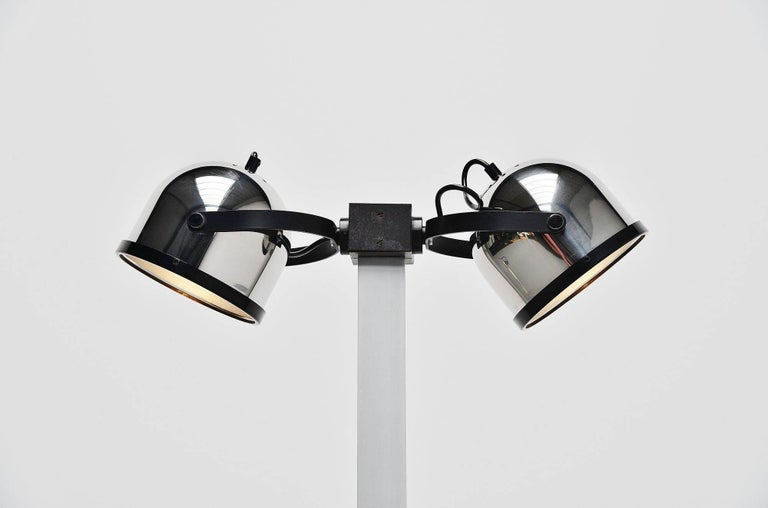 Rare Sistema Trepiu floor lamp designed by Gae Aulenti-Livio Castiglioni, manufactured by Stilnovo, Italy 1972. This small floor lamp has a black crackle painted base and an aluminum stem, the shades are made of chrome-plated metal and adjustable in