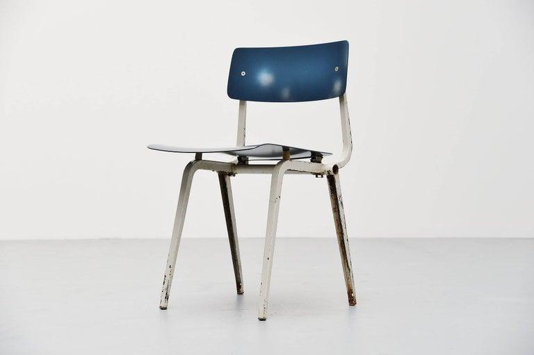 Dutch Friso Kramer Revolt Folding Chair for Ahrend de Cirkel, 1953 For Sale