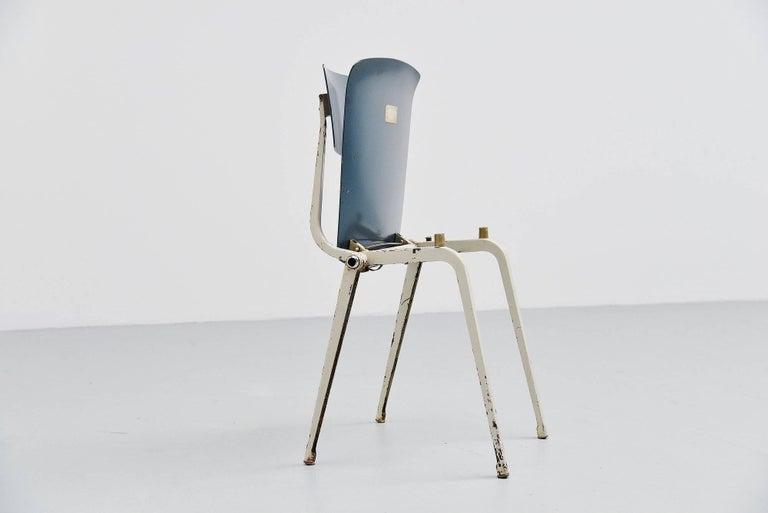 Mid-20th Century Friso Kramer Revolt Folding Chair for Ahrend de Cirkel, 1953 For Sale