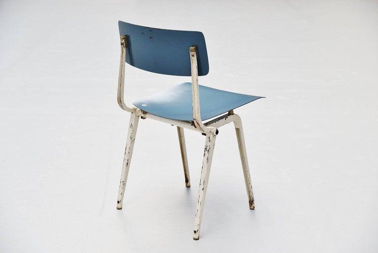 Mid-Century Modern Friso Kramer Revolt Folding Chair for Ahrend de Cirkel, 1953 For Sale