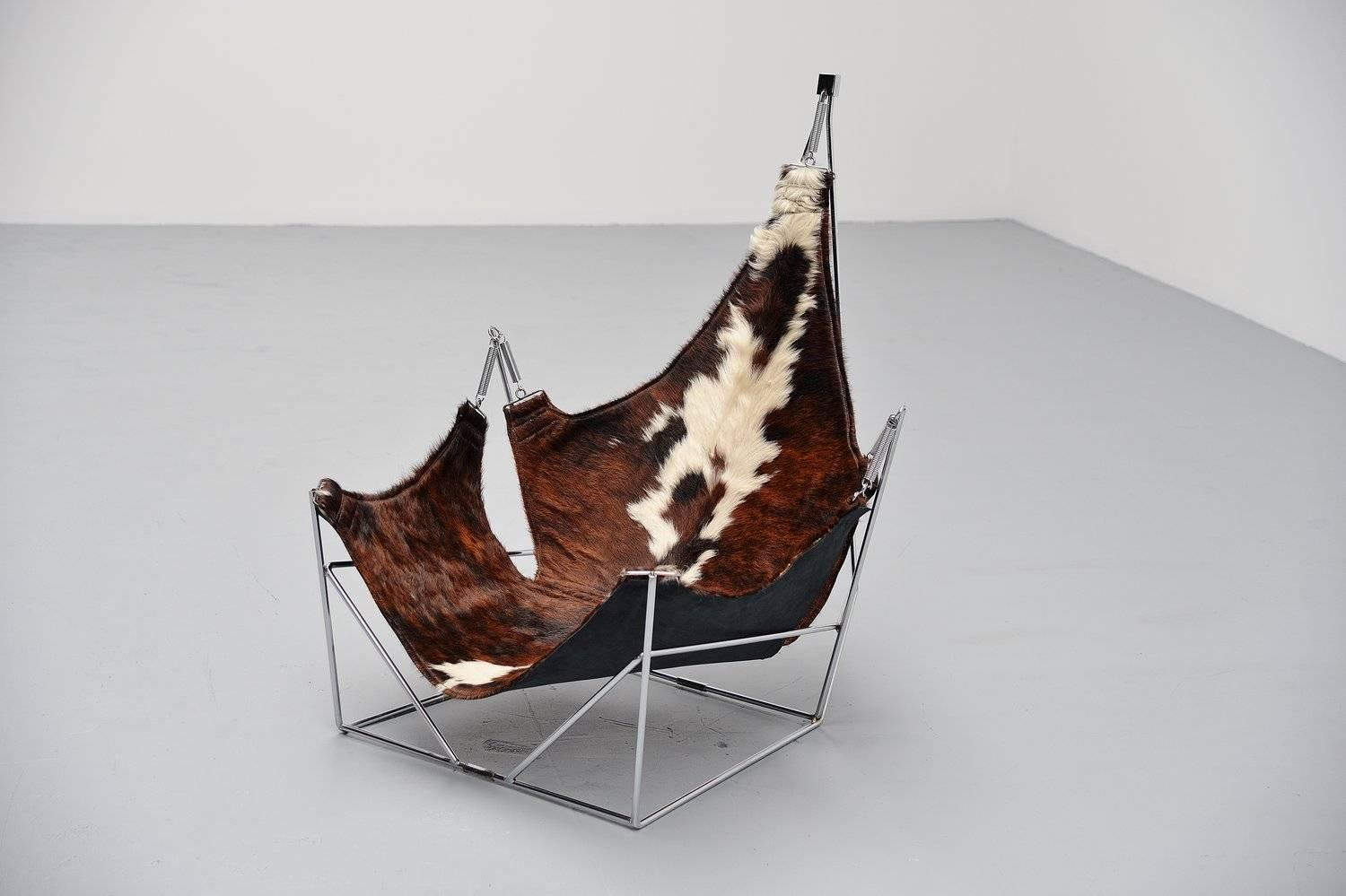 Beautiful sculptural lounge chair with cowskin seat - Chaise peau de vache ...