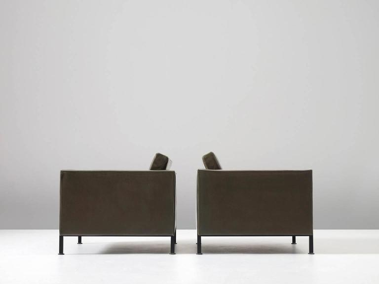 Pair of Armchairs by Pierre Paulin for Artifort  In Good Condition For Sale In Waalwijk, NL