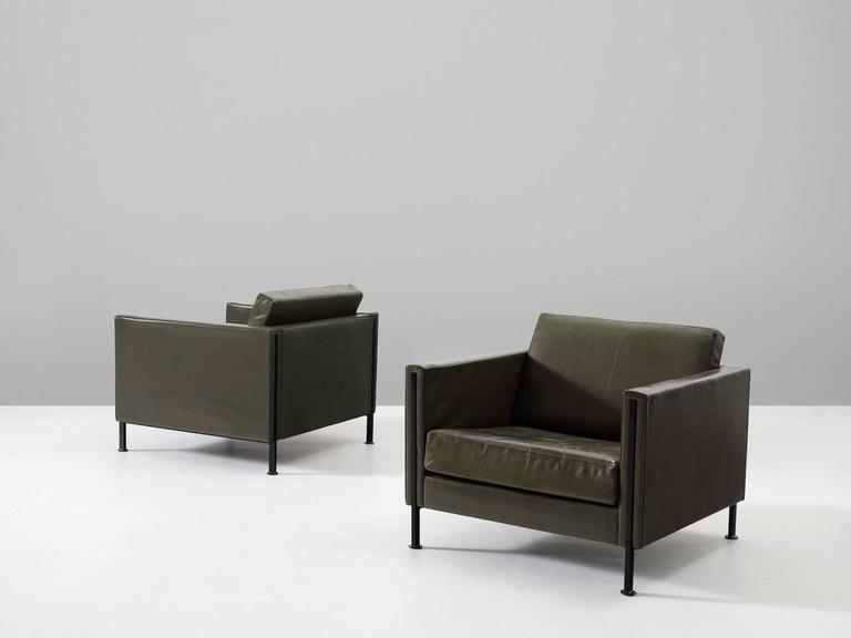 Mid-Century Modern Pair of Armchairs by Pierre Paulin for Artifort  For Sale