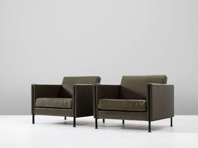 Modern '442/3' sofa's in leather and steel, by Pierre Paulin for Artifort, the Netherlands 1962. 