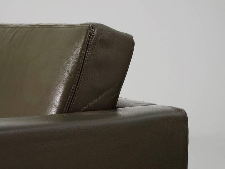 Pair of Armchairs by Pierre Paulin for Artifort  For Sale 2