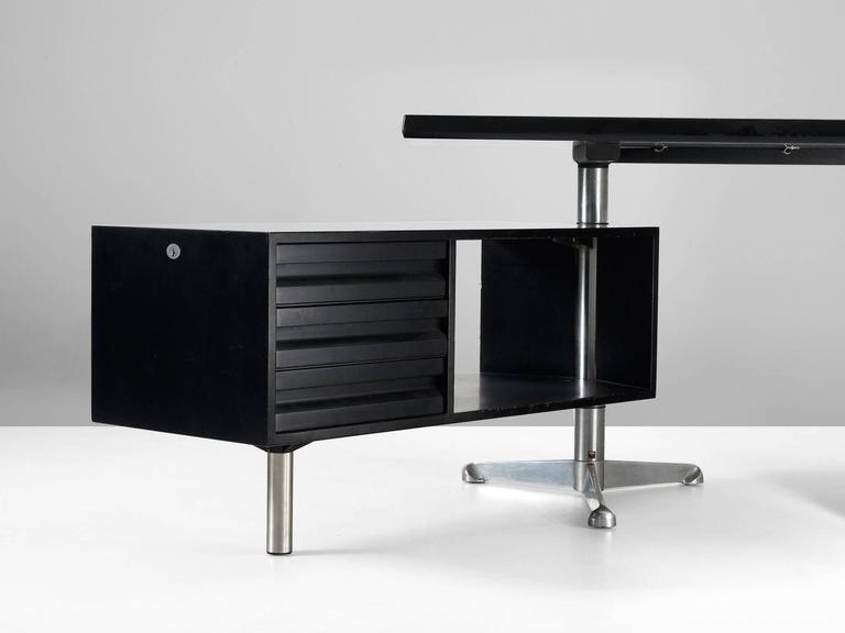 Italian Osvaldo Borsani Boomerang T-96 Desk for Tecno Milano For Sale
