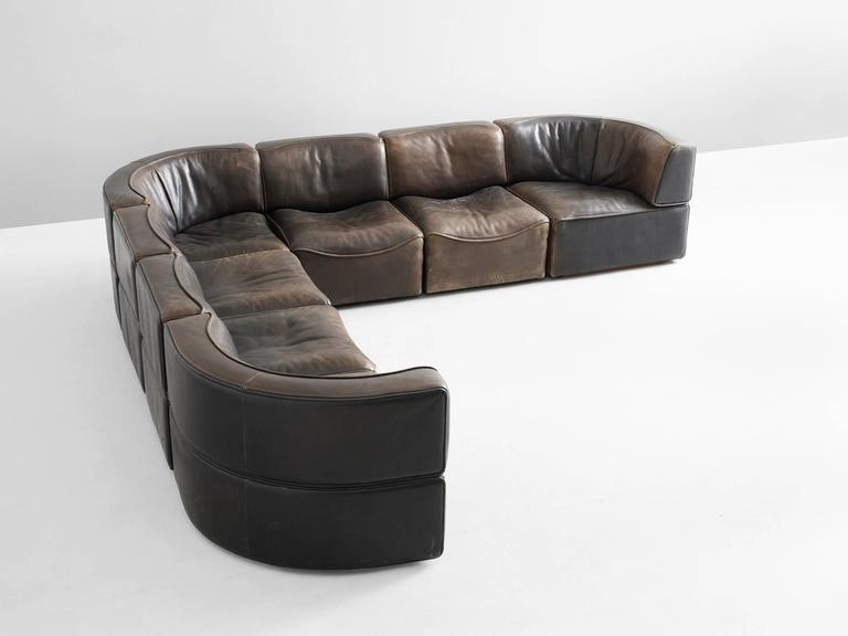Sectional sofa model DS-15, in leather, by De Sede, Switzerland 1970s.  This high-quality sectional sofa contains three corner elements and four normal elements, which makes it possible to arrange this sofa to your own wishes. The design is
