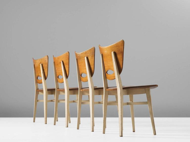 Mid-Century Modern Set of Four Dining Chairs in Beech For Sale