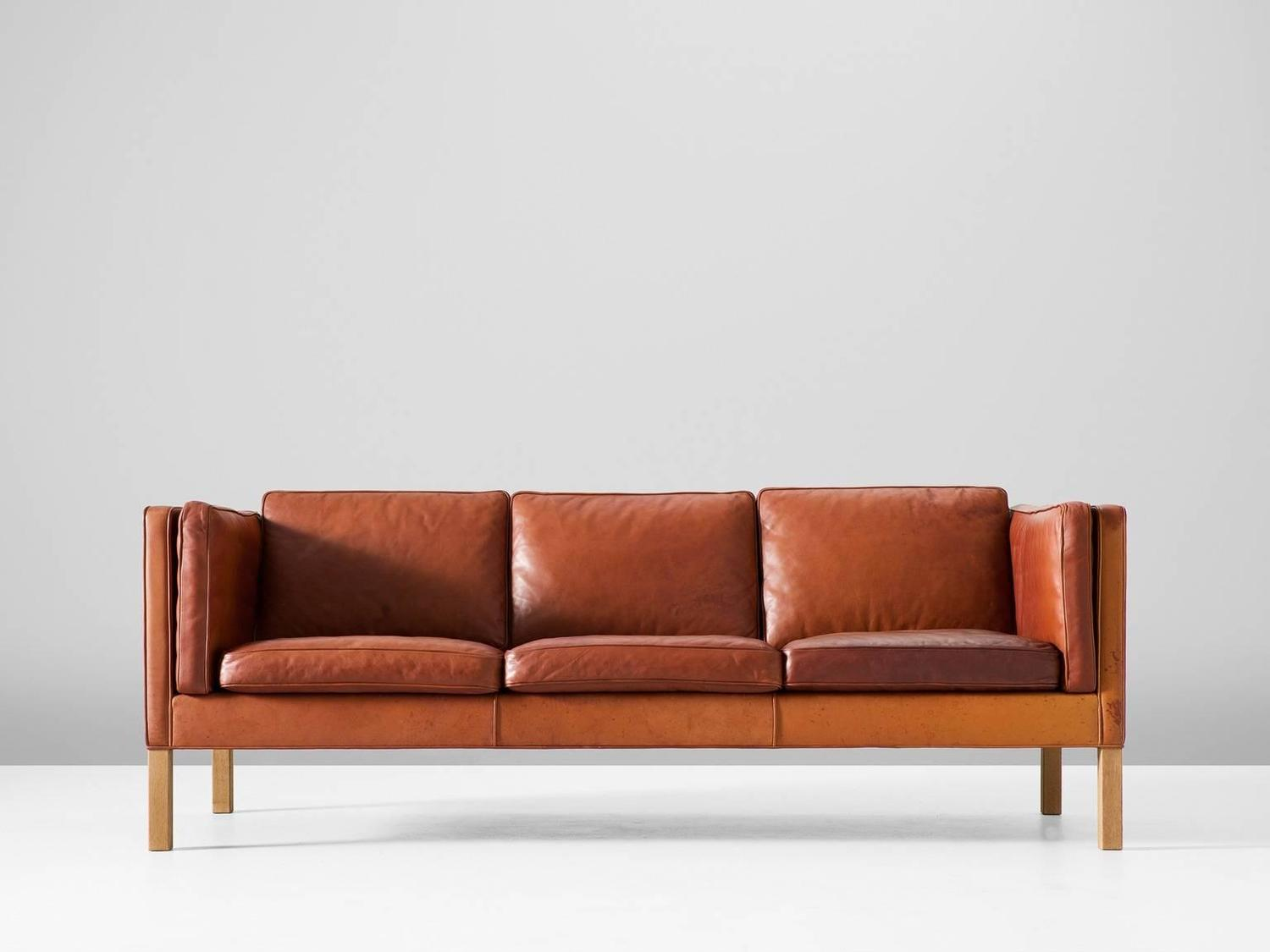 b rge mogensen 2443 sofa in cognac brown leather for sale at 1stdibs. Black Bedroom Furniture Sets. Home Design Ideas
