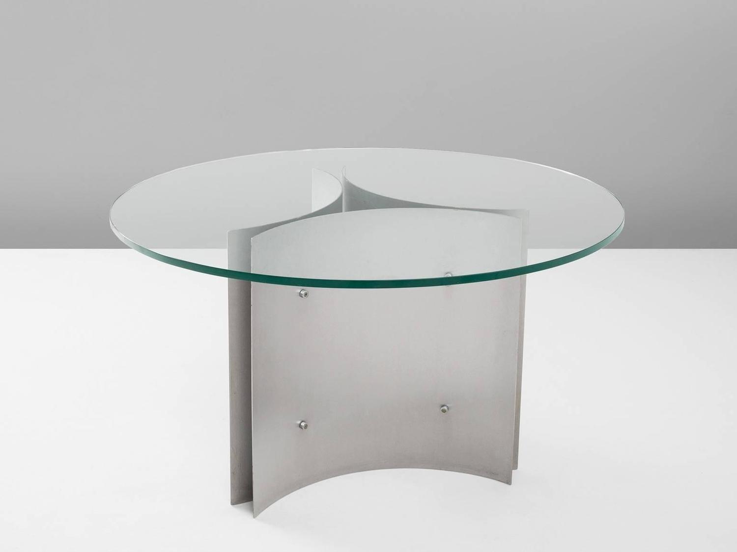 round pedestal dining table in steel and glass for sale at 1stdibs. Black Bedroom Furniture Sets. Home Design Ideas