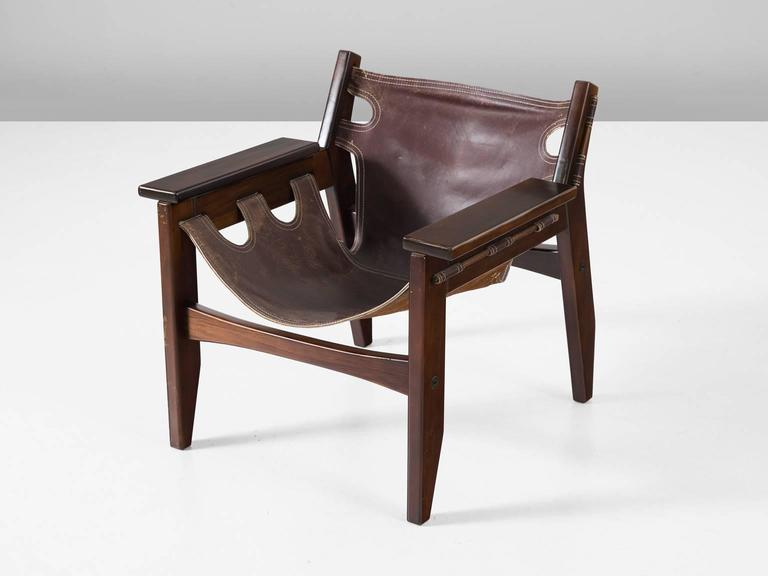 Sergio Rodrigues 'Kilin' Lounge Chairs in Rosewood and Leather In Excellent Condition For Sale In Waalwijk, NL