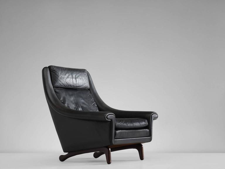Scandinavian Modern Danish Lounge Chair in Black Leather, 1960s For Sale