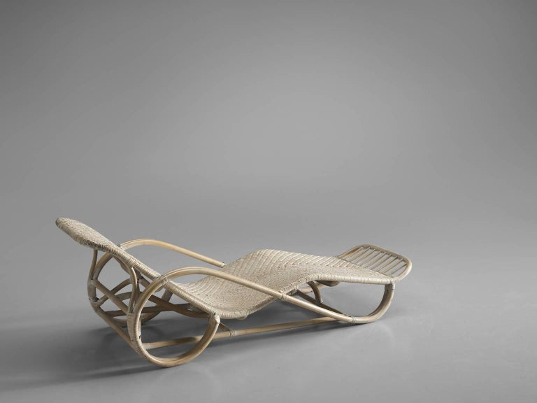 Italian wicker chaise longue 1950s for sale at 1stdibs for Cane chaise longue