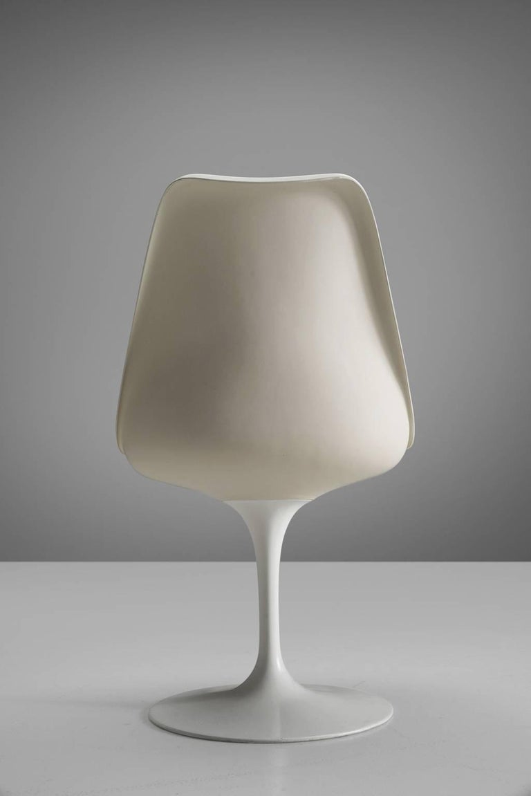 Mid-20th Century Eero Saarinen Set of Six Tulip Chairs for Knoll International For Sale