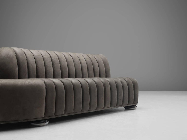 Custom-Made Luxurious Wittmann Sofa in Anthracite Leather For Sale 1