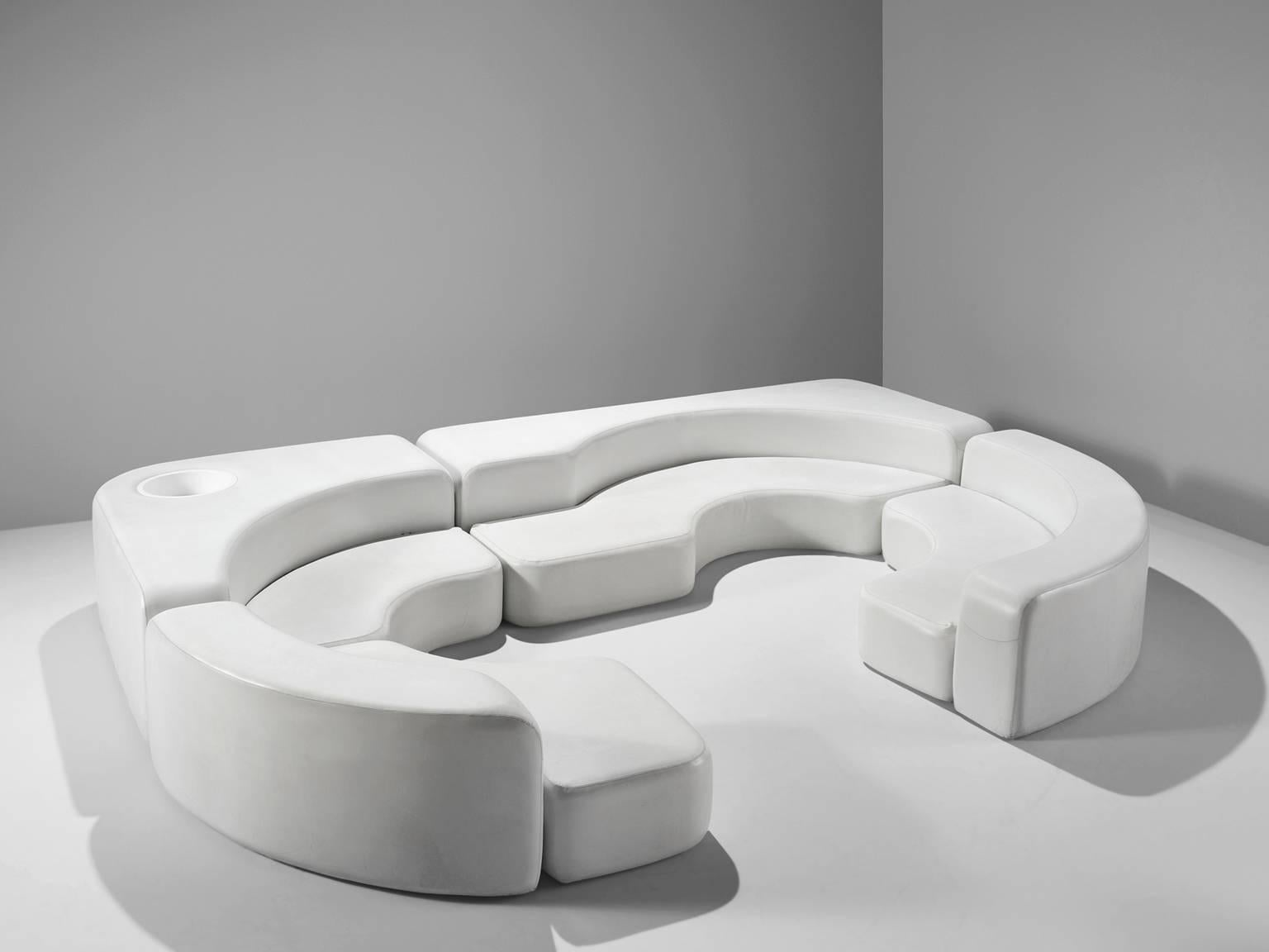 Charming Ennio Chiggio For Nikol Internazionale, White Faux Leather Sofa, Italy,  1970s This Important