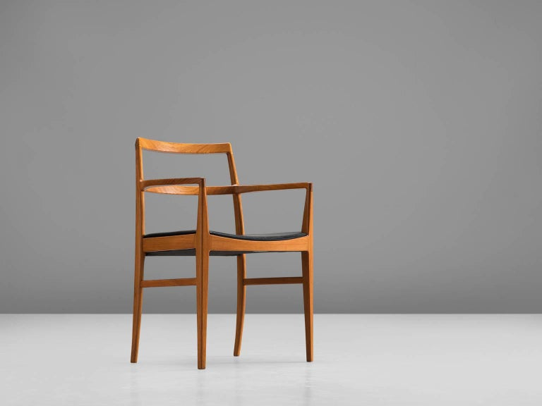 Arne Vodder for Sibast Møbler, model '430,' teak and leather, Denmark, 1960s.   This refined dining chair is designed by the Danish designer Arne Vodder. This modest and elegant chair is executed with a teak frame. The basic and linear design gives