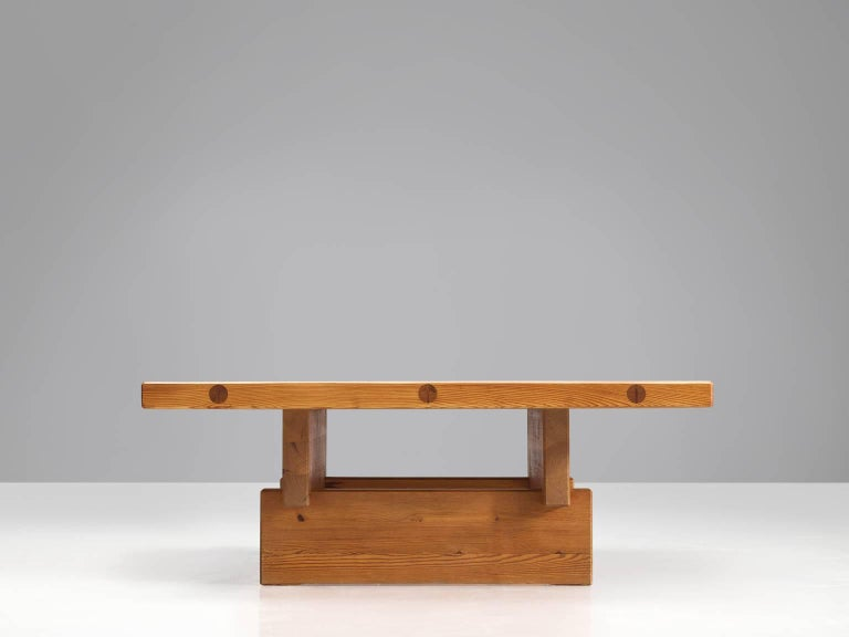 Architectural Coffee Table in Pine In Good Condition For Sale In Waalwijk, NL