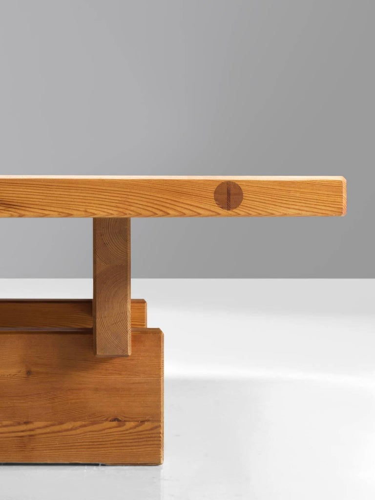 Architectural Coffee Table in Pine For Sale 1