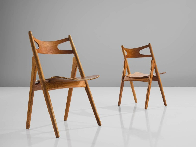 Hans J. Wegner Restored Set of Eight Matching Sawbuck Chairs In Good Condition For Sale In Waalwijk, NL