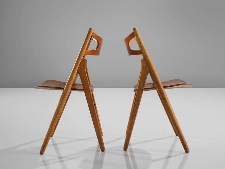 Mid-20th Century Hans J. Wegner Restored Set of Eight Matching Sawbuck Chairs For Sale