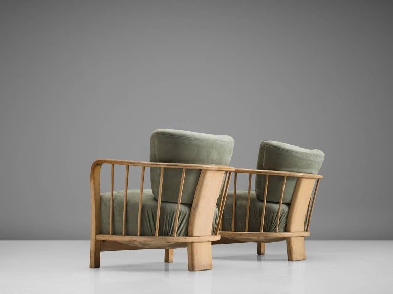 European Midcentury Set of Two Sculptural Lounge Chairs For Sale