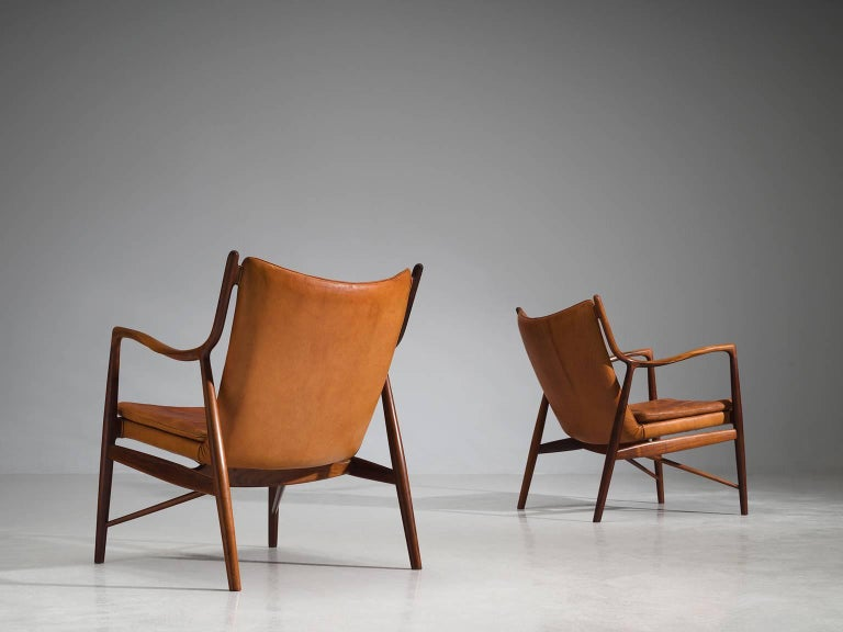 Finn Juhl for Niels Vodder Pair of NV45 in Original Cognac Leather In Excellent Condition For Sale In Waalwijk, NL