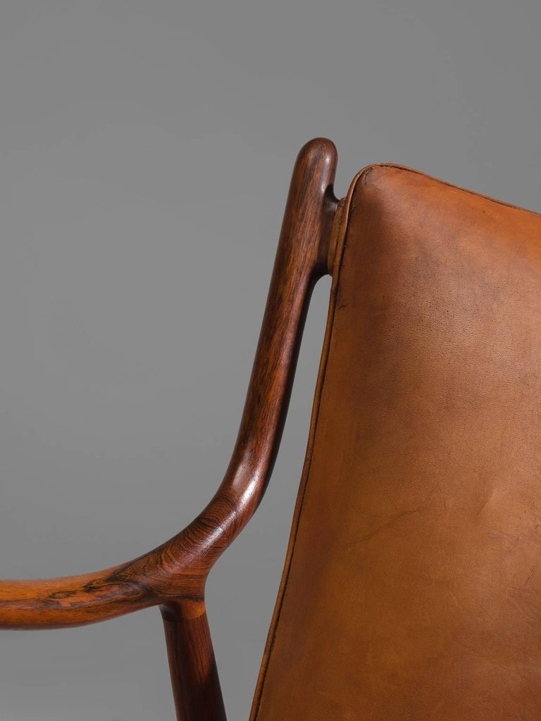 Finn Juhl for Niels Vodder Pair of NV45 in Original Cognac Leather For Sale 1