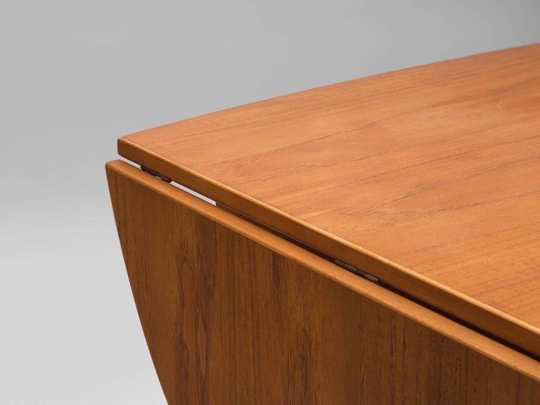 Børge Mogensen Drop-Leaf Writing Table in Teak and Oak For Sale 4
