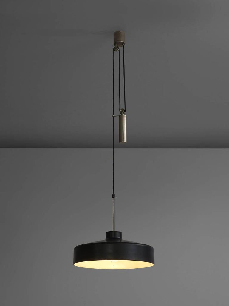 Gino Sarfatti for Arteluce, black pendant, aluminum, metal, Italy, 1950.