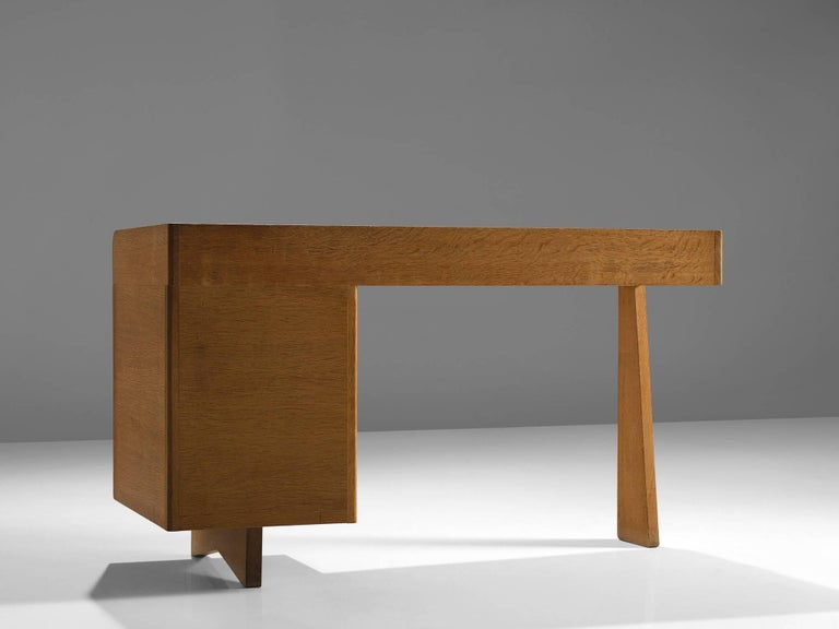 Guillerme et Chambron Desk in Oak by France, 1960s In Good Condition For Sale In Waalwijk, NL