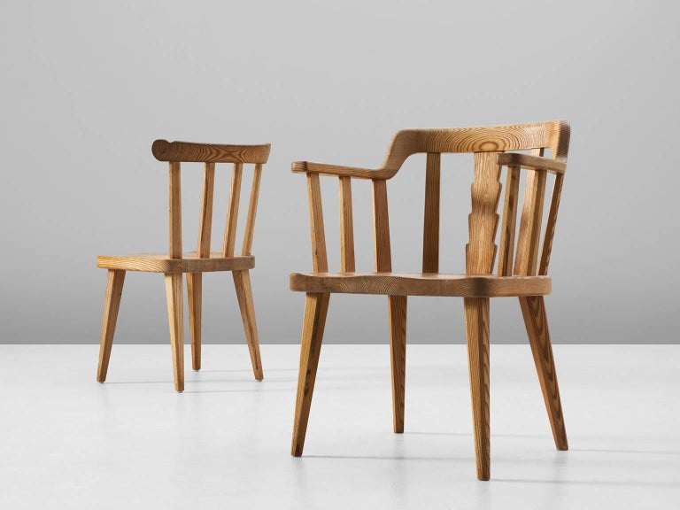 Set of Eight Dining Chairs in Pine In Good Condition For Sale In Waalwijk, NL
